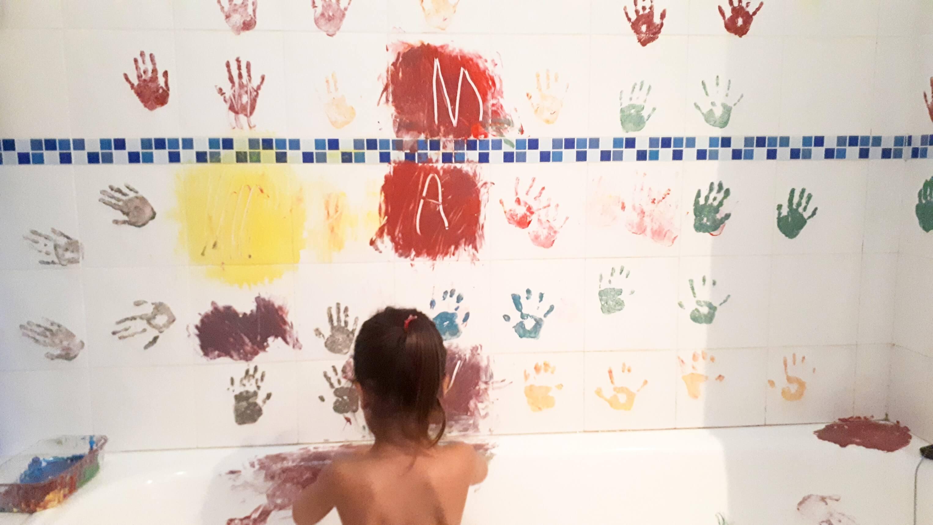 pintar con pintura de dedos